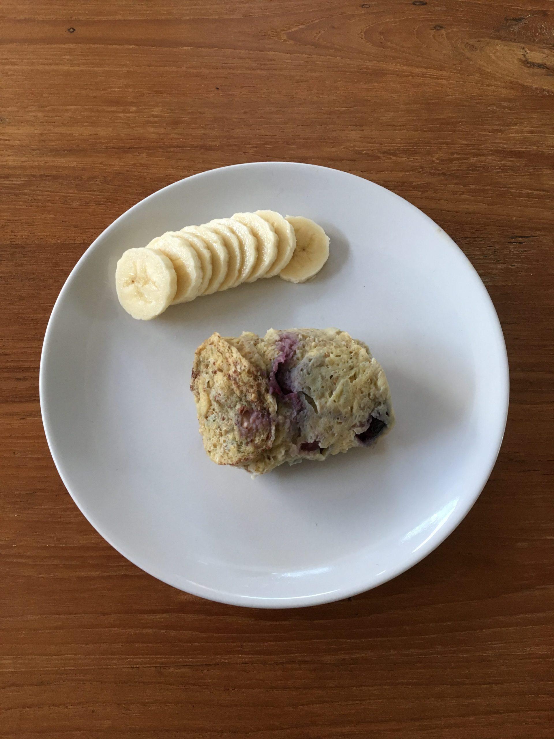 Recept: mugcake met blauwe bessen
